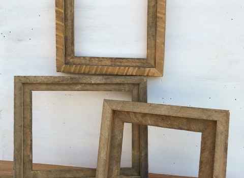 Photo Frames from Reclaimed TobaccoSticks